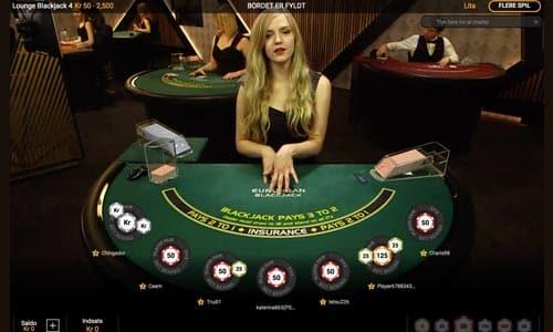Spil blackjack og andre bordspil imod rigtige dealere