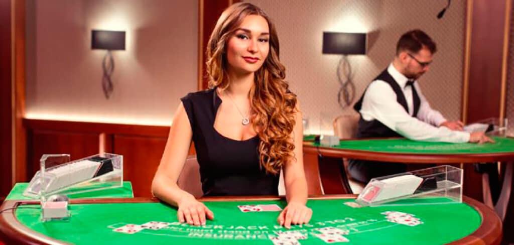 Blackjack tips og tricks - læs vores 10 råd til blackjack og forøg dine vinderchancer