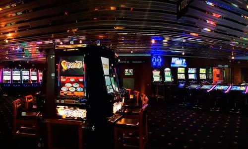 Du kan naturligvis også spille på spilleautomater hvis det mere er dig